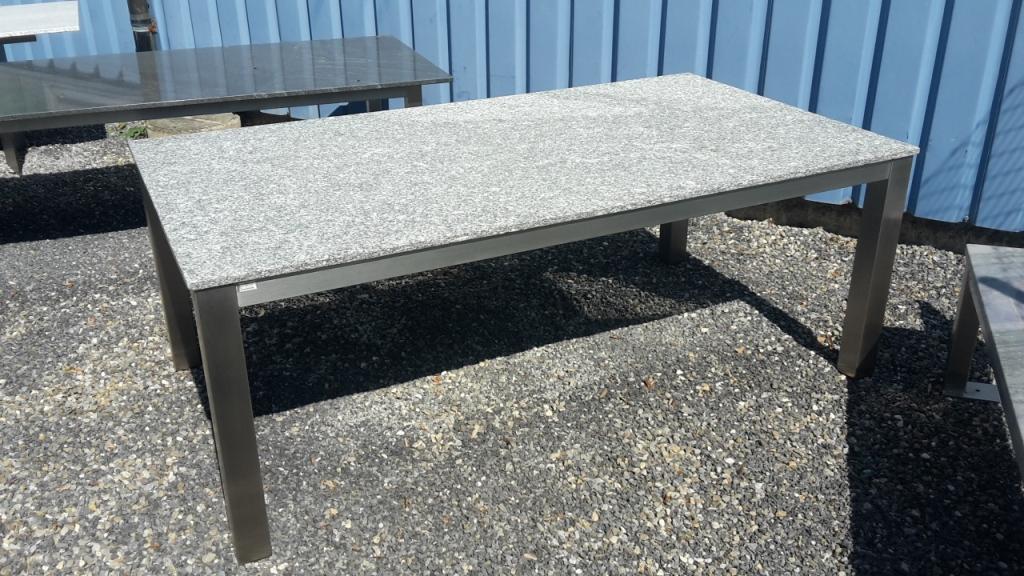 thomas ursprung granittische gartentische gartenm bel granit tisch garten tisch nach mass. Black Bedroom Furniture Sets. Home Design Ideas