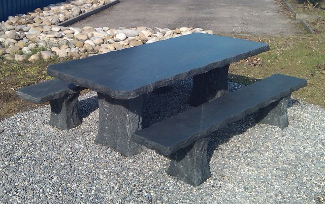 Thomas Ursprung   Granittische, Gartentische, Gartenmöbel, Granit